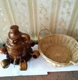 Barrel for drinks and basket