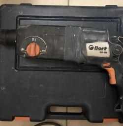 Перфоратор Bort BHD-800