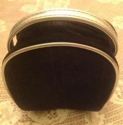 Cosmetica Dior de culoare neagra cu argint