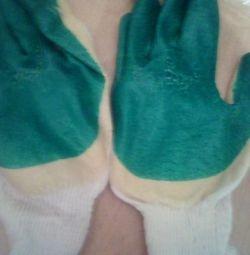 Γάντια εργασίας σε απόθεμα