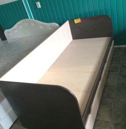 Кровать односпальная с ящиками