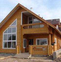 Constructii de case din lemn.