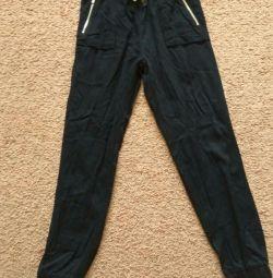 10 yıllık pantolon H&M