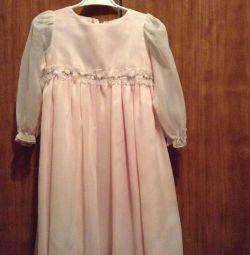4-5 yaş arası kız için şenlikli elbise