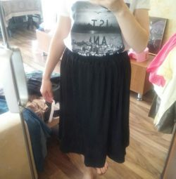 Νέα πτυχωτή φούστα