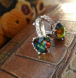 Νέα σκουλαρίκια με κλειδαριά στην Αγγλία