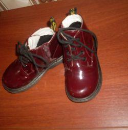 Λακαρισμένα παπούτσια