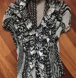 V neckline blouse