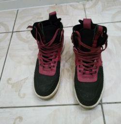 Adidași Nike lunar BU