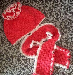Καπέλο και κασκόλ για ένα κορίτσι 4-5 ετών.