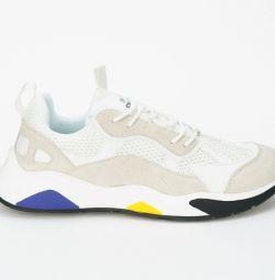 Νέα παπούτσια Strobbs