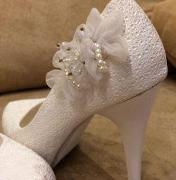 Düğün ayakkabıları çok rahattır.