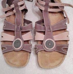 Sandals. (41)