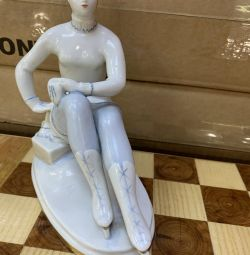 Figurine Figure Skater