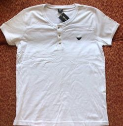 T-shirt Armani. New. M-L.
