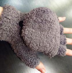 Νέα μάλλινα γάντια