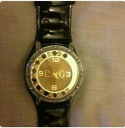 Часы DG