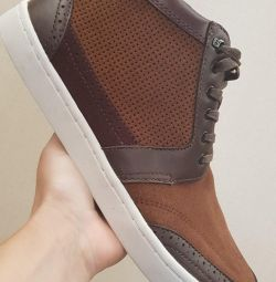 Sneakers Ted Baker p. 42