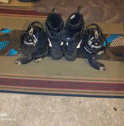 Сноуборд, крепления, ботинки комплект