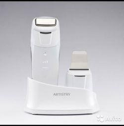 ARTISTRY™ Dermasonic Многофункциональный аппарат