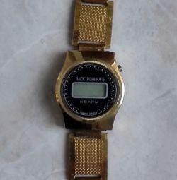 Часы Электроника 5 Кварц СССР на Браслете 1980 го