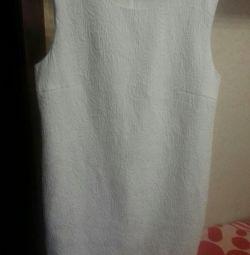 білосніжна сукня