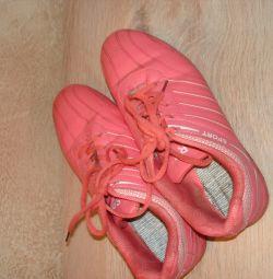 αθλητικά παπούτσια για κορίτσια