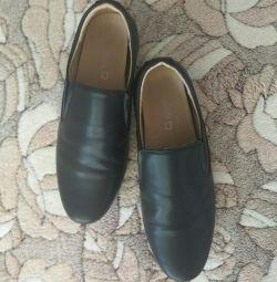 Σχολικά παπούτσια 36 σελ. (23.5)