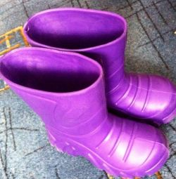 Ελαστικά μπότες μεγέθους 28