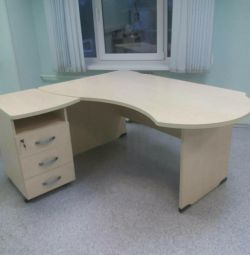 Τραπέζι γραφείου με κατάσταση ντουλάπι του νέου
