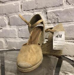 Νέα γυναικεία σανδάλια H & M
