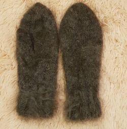 Μάλλινα γάντια.