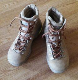 Pantofi r. 36