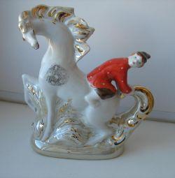 At sırtında Figurine Ivanushka Dulyovo