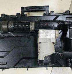 INTERSKOL M-12.5 / 1050 jackhammer