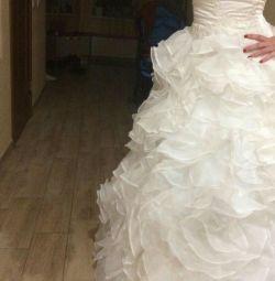 Νέο γαμήλιο φόρεμα
