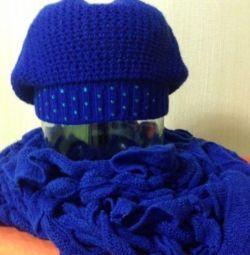 Бере і шарф