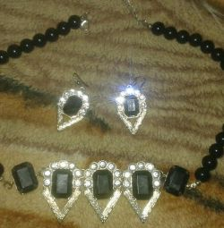 Set of necklaces and earrings