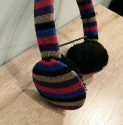Căști tricotate