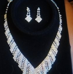 Wedding costume jewelry. Necklace + earrings