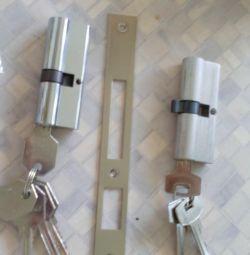 Încuietori cu chei noi