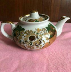 Новый фарфоровый заварочный чайник.