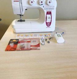 Швейна машина Janome-v25