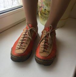 Αντρικά παπούτσια μεγέθους 35
