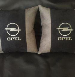 Подушка з логотипом Опель