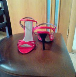 Sandaletler yeni yaz