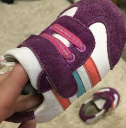Αθλητικά παπούτσια 20 r