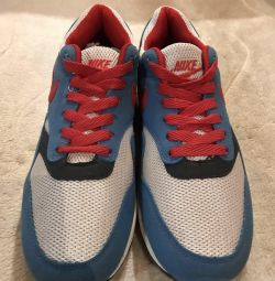 Sneakers new 40 size
