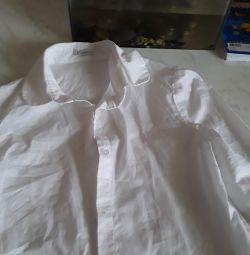 Продам блузку на дівчинку