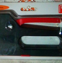 Stapler de mobilă